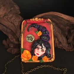 Necklace with zodiac sign:...