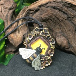 Totem necklace: bee