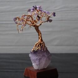 Ein Amethyst Drahtbaum