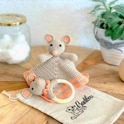 Hannah the mouse wooden box...