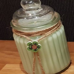 Grüner Apfel Kerze