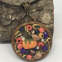 Autumn Theme Necklace