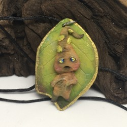 Necklace with mandrake